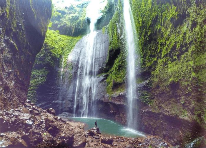 bromo.madakaripura. waterfall