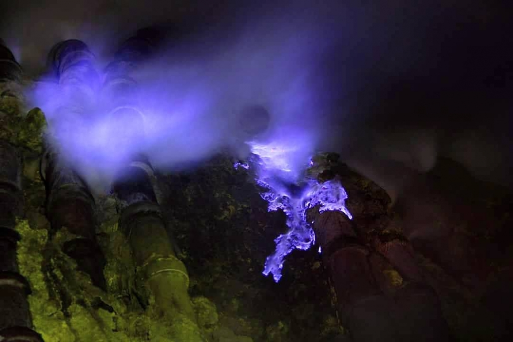 Ijen Crater tour from Bali | Pemuteran 1 Day